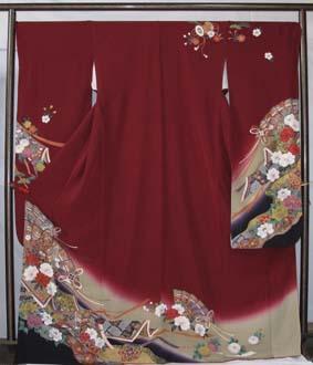 最高の生地に扇絵巻模様の古典柄が描かれた本物志向の振袖。